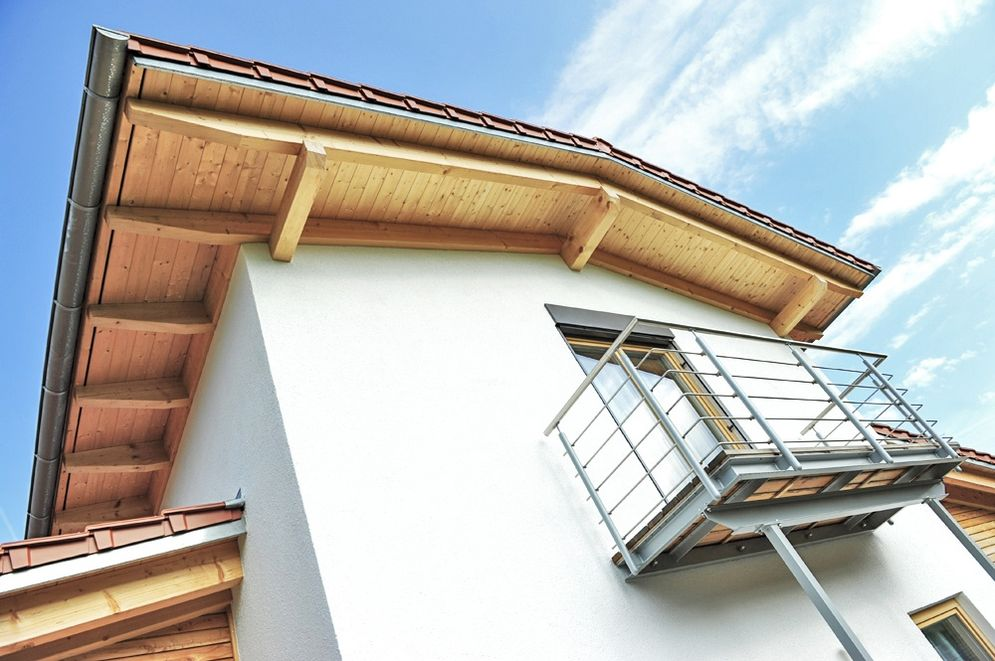 Frontansicht Balkon © Brunthaler Massivholzhaus