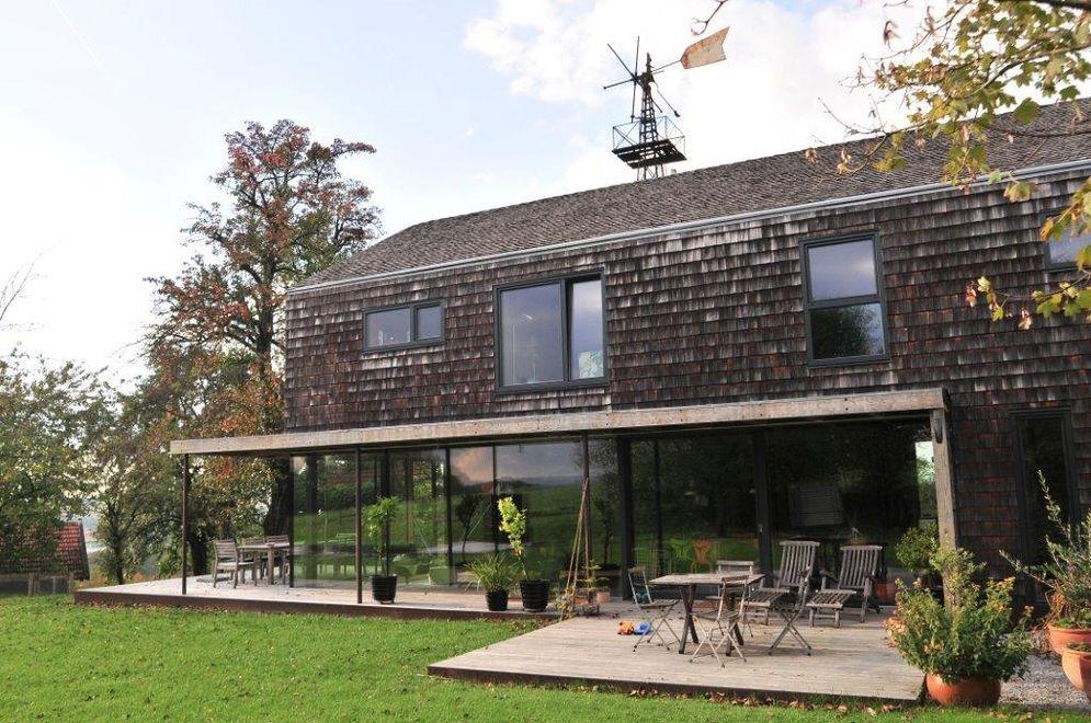 Außenansicht mit Terrasse © Brunthaler Massivholzhaus