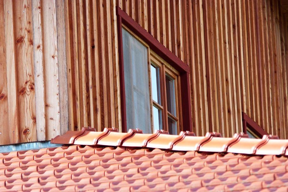 Eckfirst der Verandaüberdachung © Brunthaler Massivholzhaus