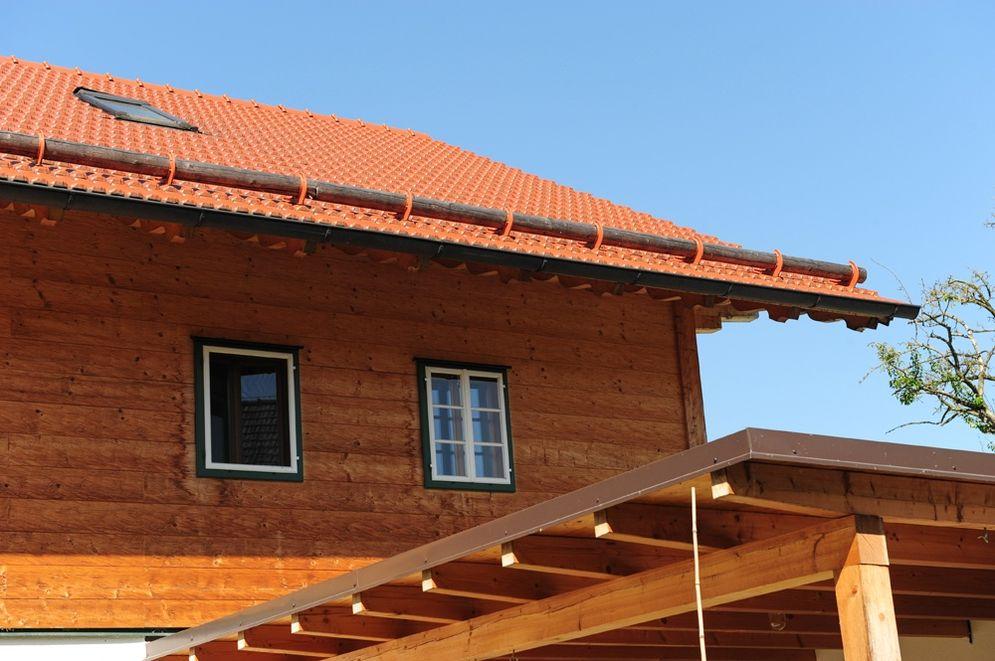 Ansicht Obergeschoss und Dach Carport © Brunthaler Massivholzhaus