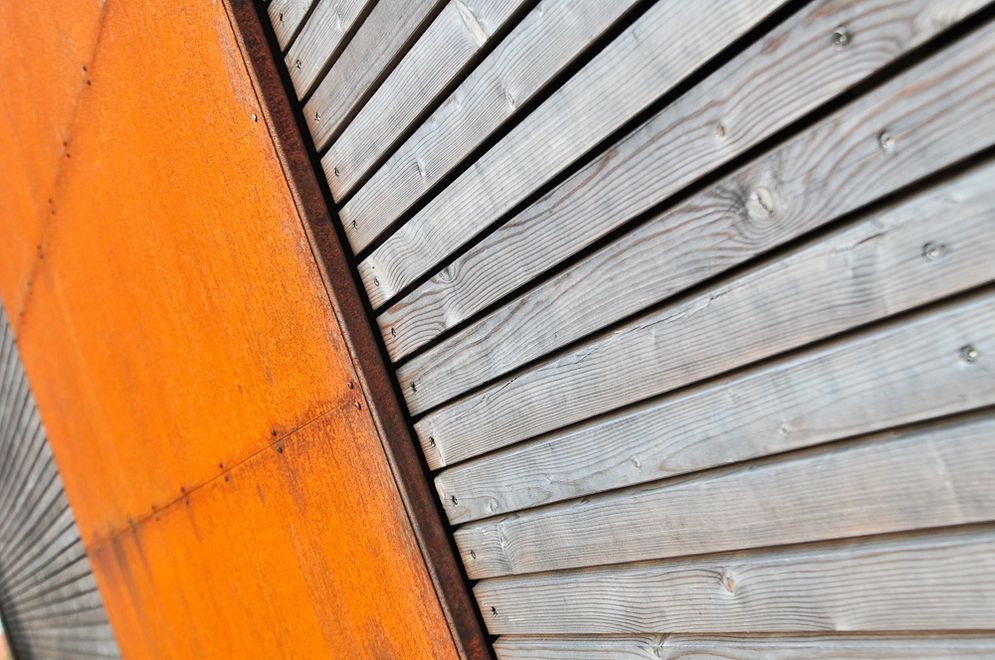 Nahaufnahme Holzfassade © Brunthaler Massivholzhaus