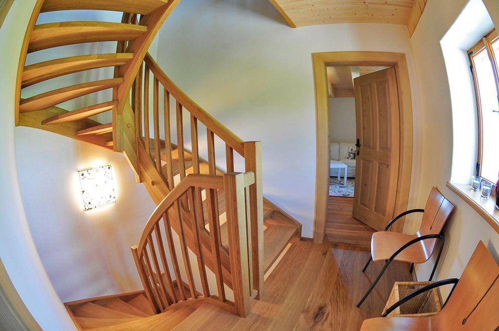 Treppenhaus © Brunthaler Massivholzhaus