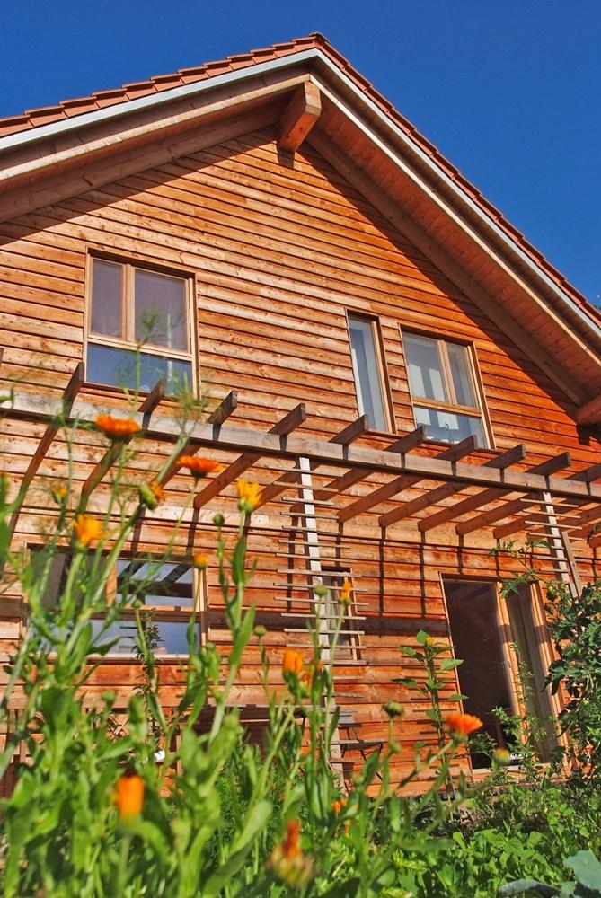 Ansicht Holzfassade © Brunthaler Massivholzhaus