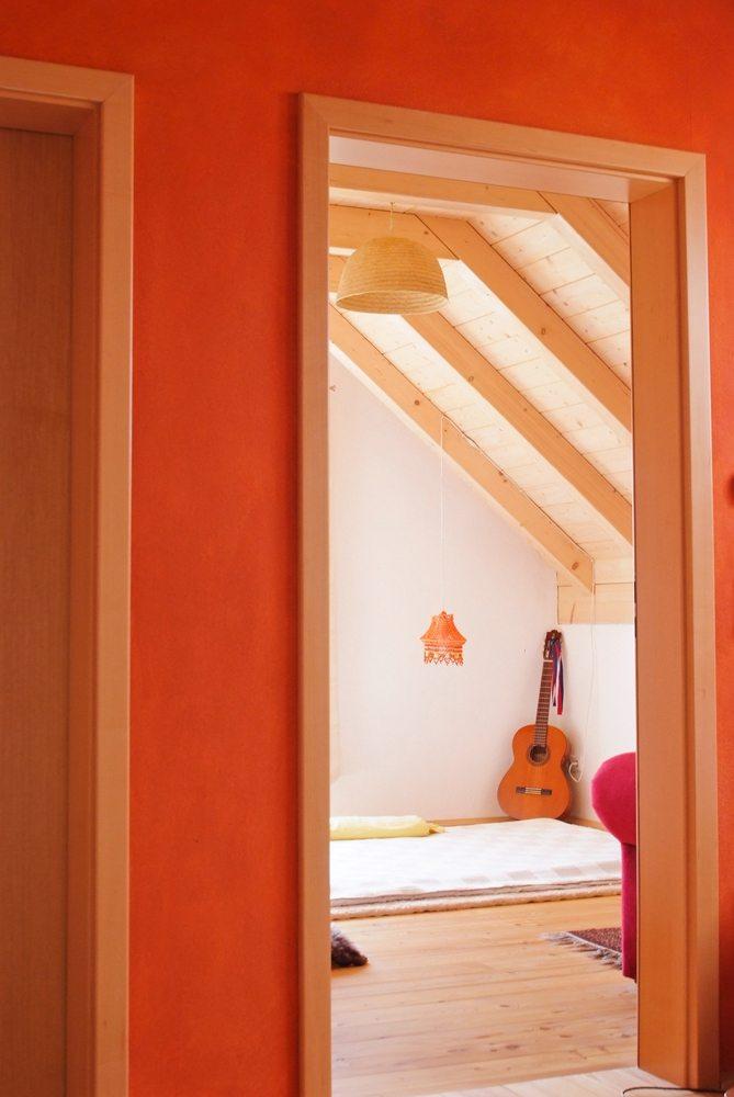 Innenansicht des klassischen Massivholzhauses © Brunthaler Massivholzhaus